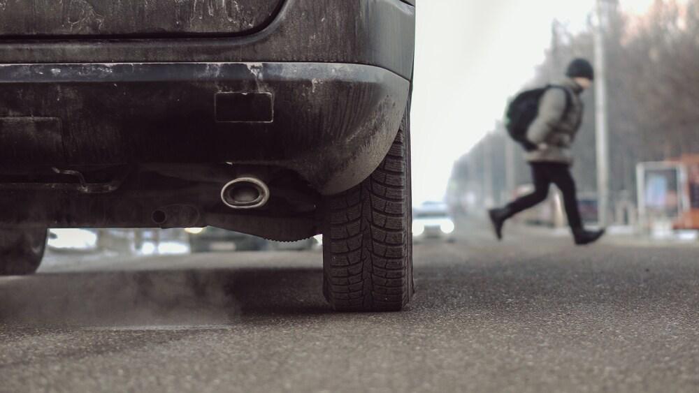 bambini-strada-smog