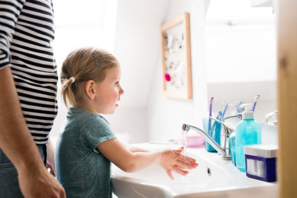 lavare-mani-bambini