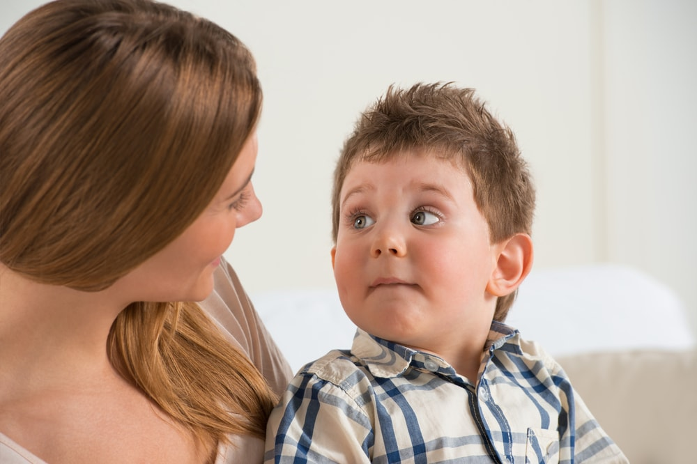 madre-parla-a-bambino