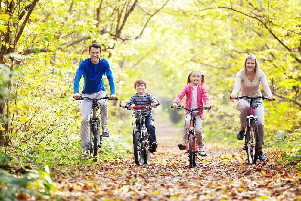 famiglia-in-bicicletta