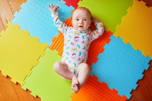 giochi-bebe-4-mesi
