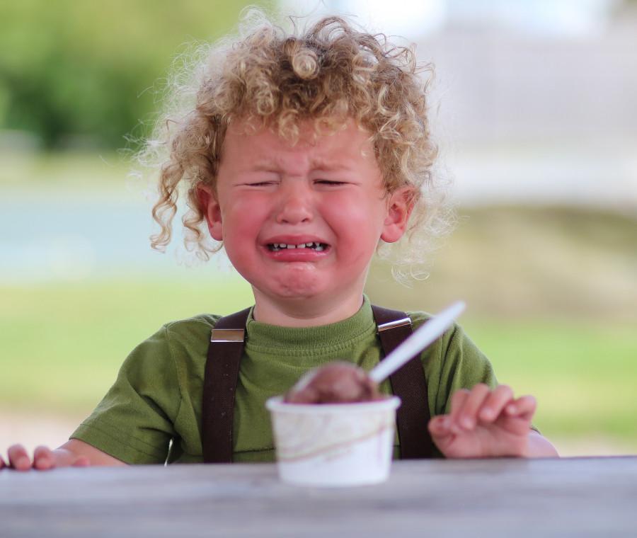bambino-gelato-pianto