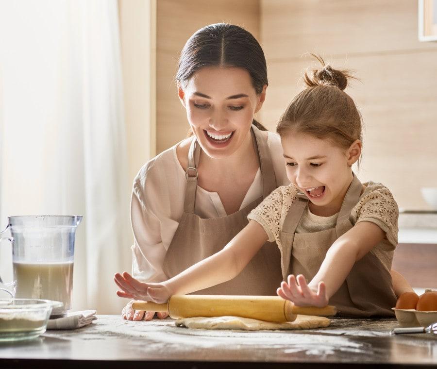 mamma-e-figlia-in-cucina