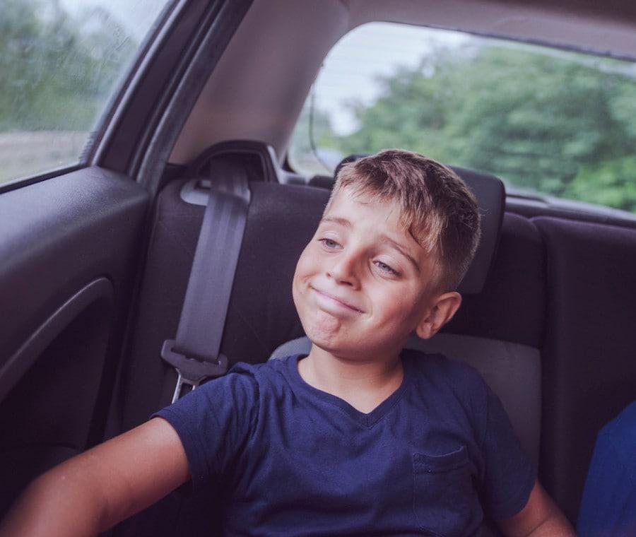 bambino-in-macchina