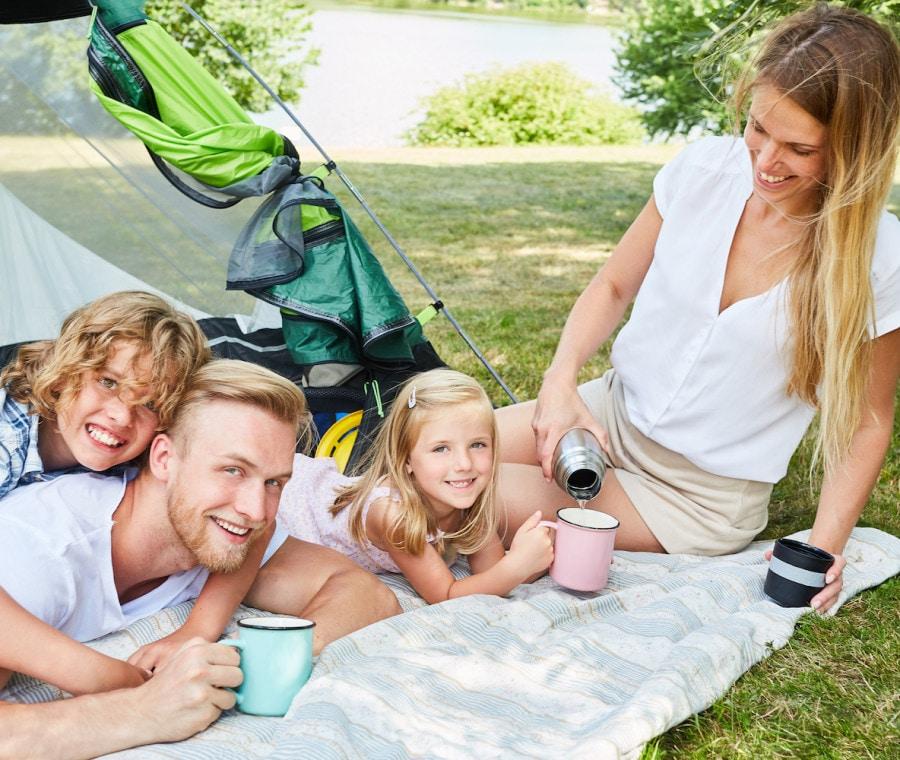 famiglia-in-campeggio