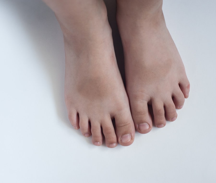 piedi-bambino