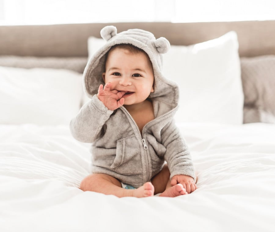 neonato-seduto