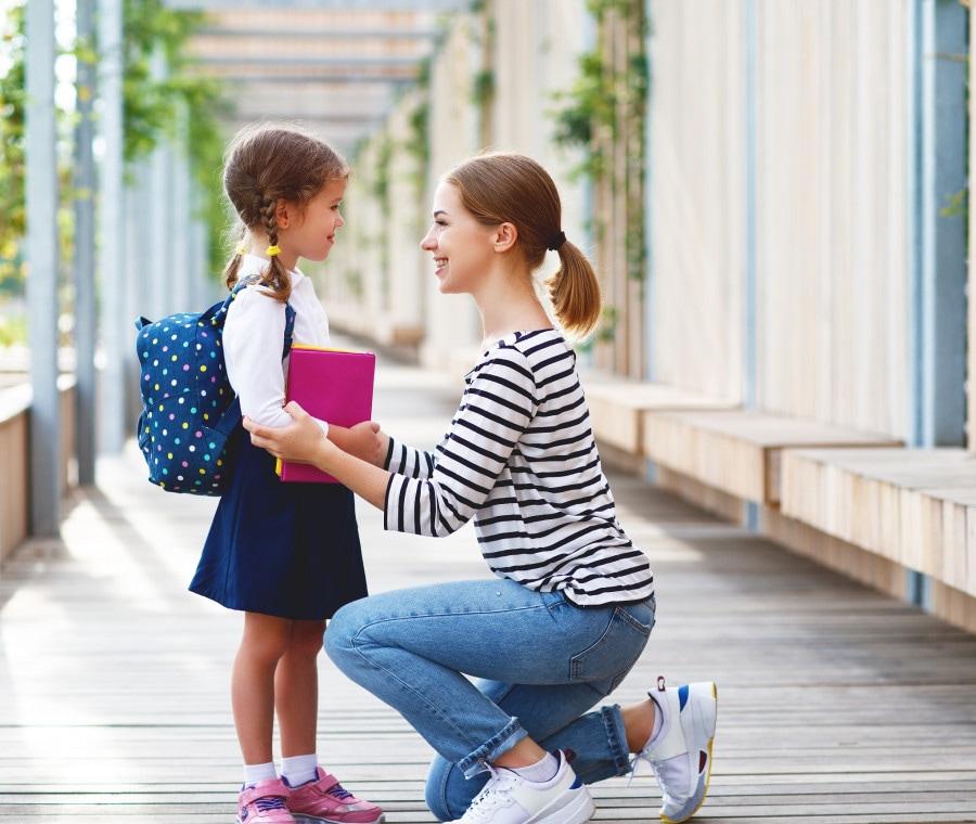 bambina-a-scuola