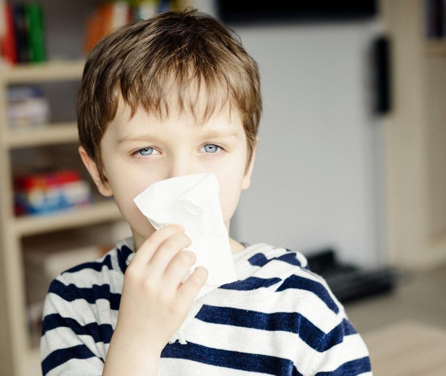 distinguere-i-sintomi-di-influenza-covid-raffreddore
