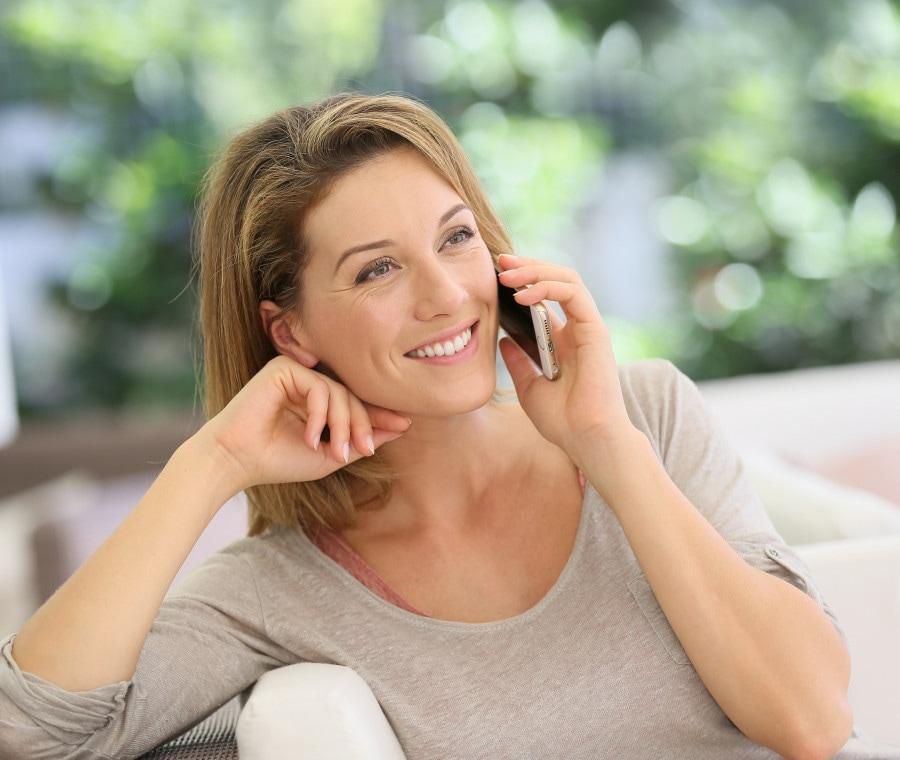 donna-al-telefono