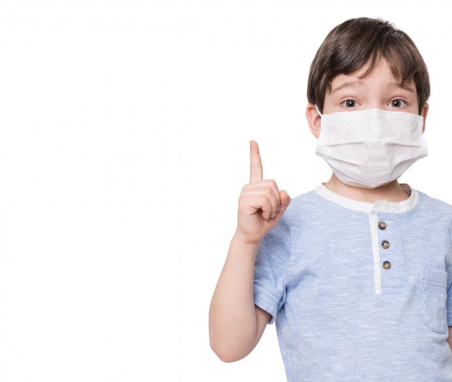 bambino-con-mascherina