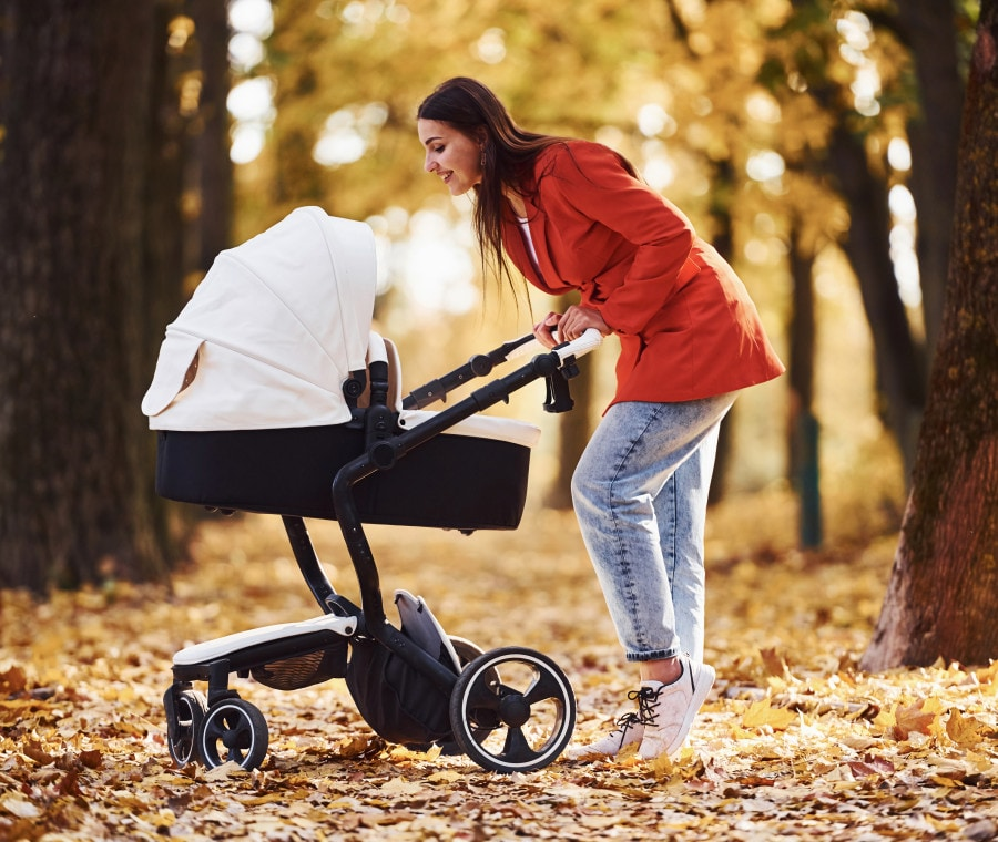 come-portare-a-passeggio-un-neonato