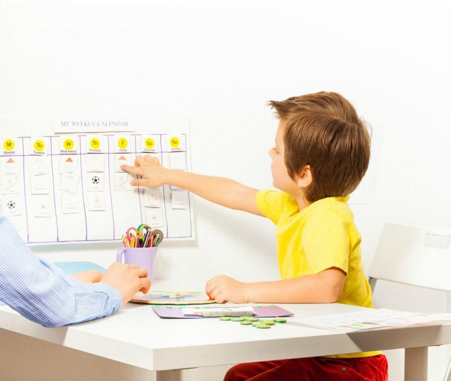 come-creare-un-tabellone-delle-attivita-con-i-bambini