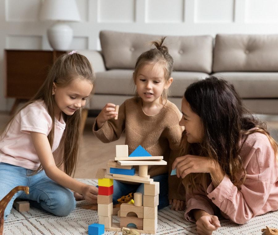 bambine-giocano