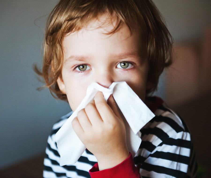 bimbo-con-allergia
