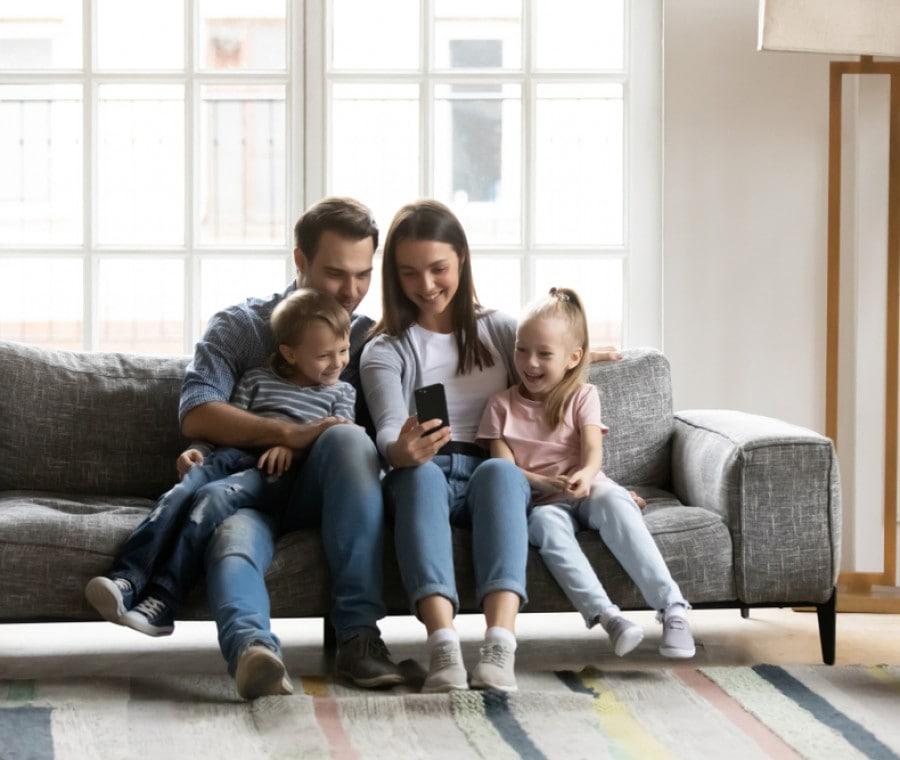 famiglia-smartphone