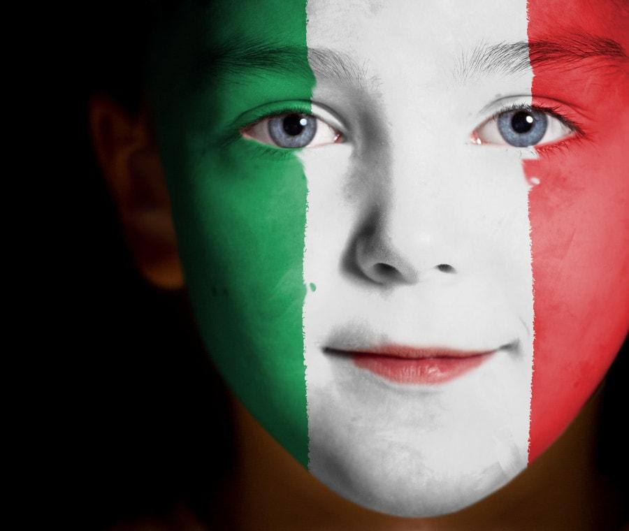 bambino-bandiera-italia