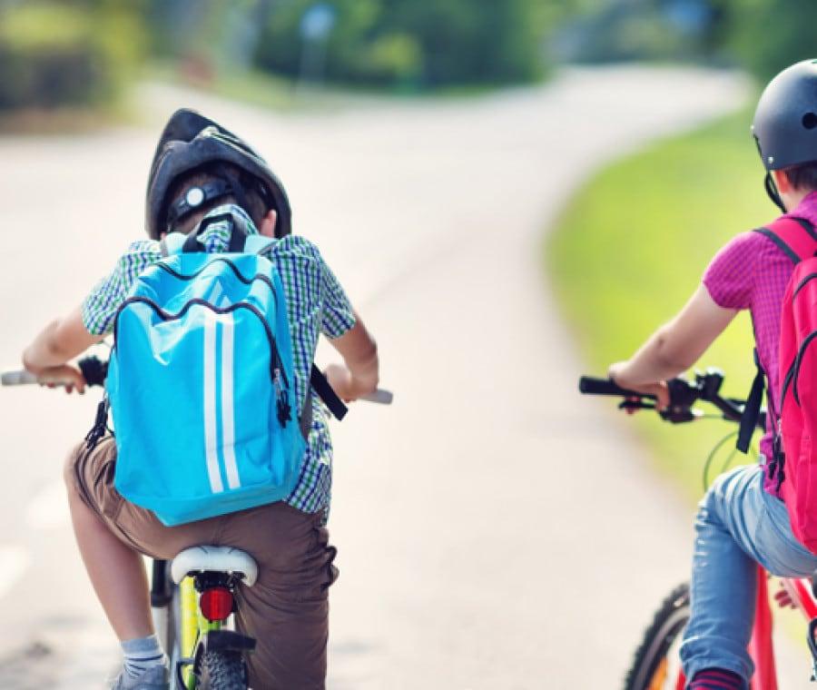 bambini-scuola-bicicletta