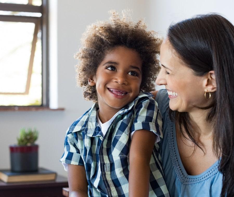 adottare-un-bambino-da-single