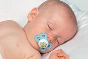 La-buona-nanna-bimbo-che-dorme.180x120