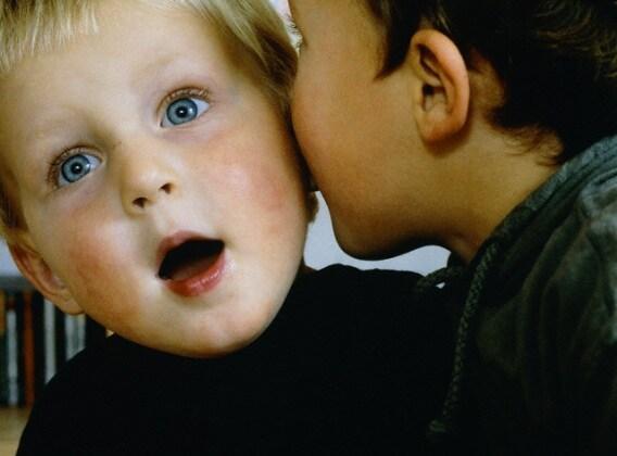 bambino-parlare15215469