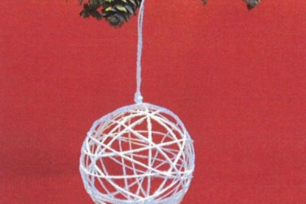 8. Lavoretto: la pallina per l'albero di Natale