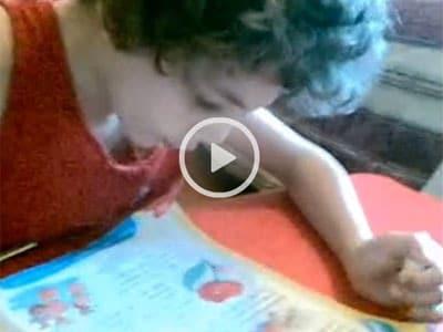 bambino-lettura-video
