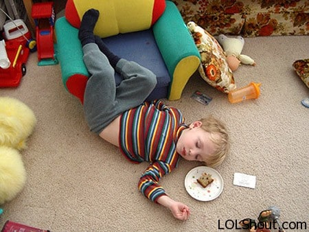 funniest-kids-sleeping-positions-with-toys