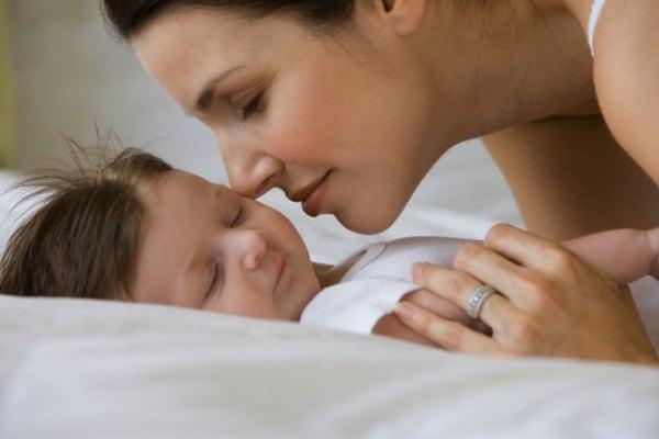 mamma-bacia-neonato