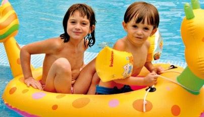 Ricci-Hotels-Animazione-bimbi-in-piscina404