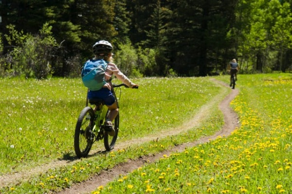bambina_bicicletta.180x120