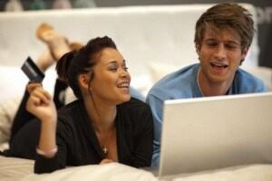 coppia-fa-acquisti-on-line
