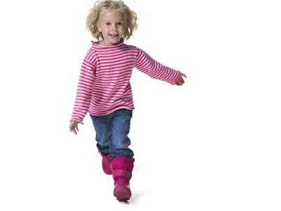 bambina-cammina-1