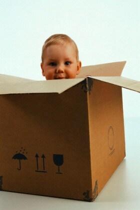 bambino_scatola
