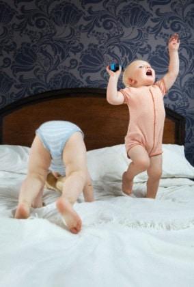 bambini-letto-salto