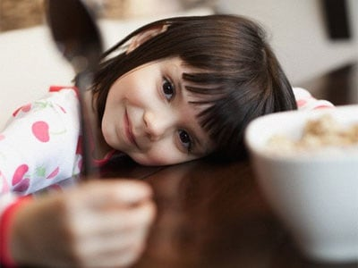colazione-bambina
