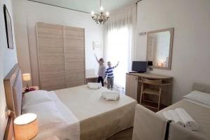 Family_Hotel_Savini_Emilia_Romagna_Milano_Marittima.jpeg.180x120