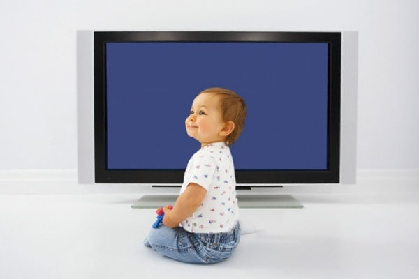 bambino_televisione
