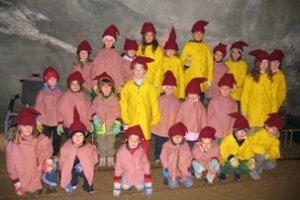 gruppo-bambini-minatori-a-predoi404.jpg