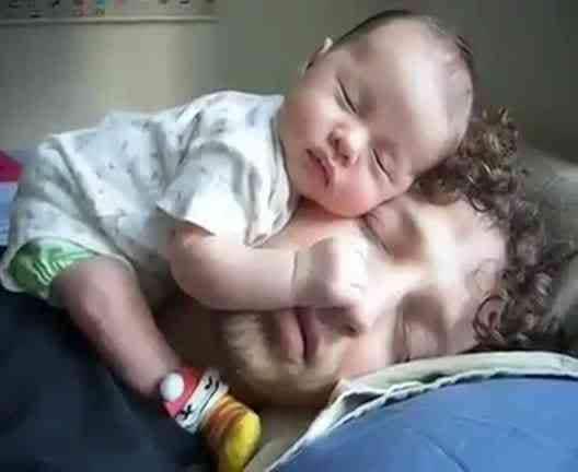 sleeping_baby_apertura.1500x1000