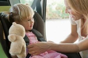 bambini-in-auto.1500x1000