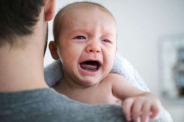 Le 5 S per calmare il pianto del neonato