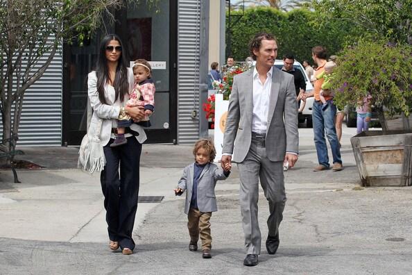 Camila-Alves-Matthew-McConaughey-Family-Leave-XLciTch3Zoal