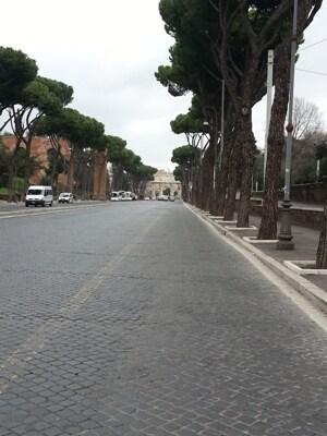 e_Via_San_Gregorio_vista_dal_Circo_Massimo.jpg
