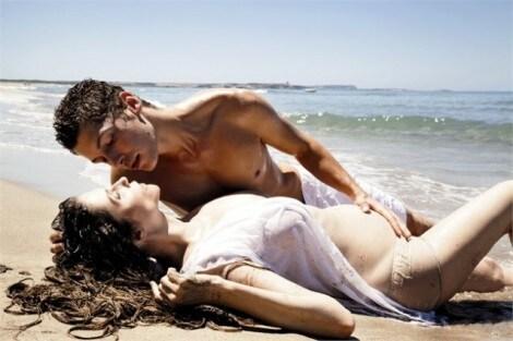 Alessandra-Martines-A-49-anni-sono-incinta-di-Cyril