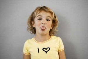 bambina-maglietta-love