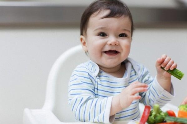 bambino-verdure.180x120