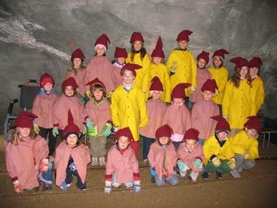 gruppo-bambini-minatori-a-predoi400.jpg