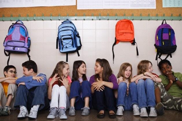 scuola-ragazzi-zaini