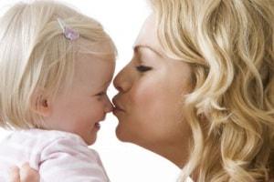 bacio_sul_naso_mamma